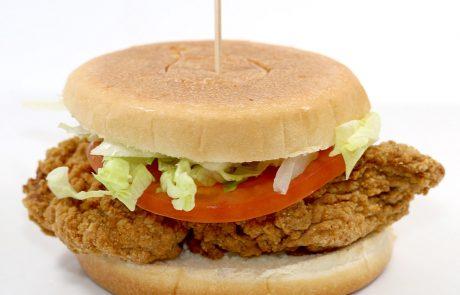 Casse-Croûte d'en Haut - Burger poulet pané épicé